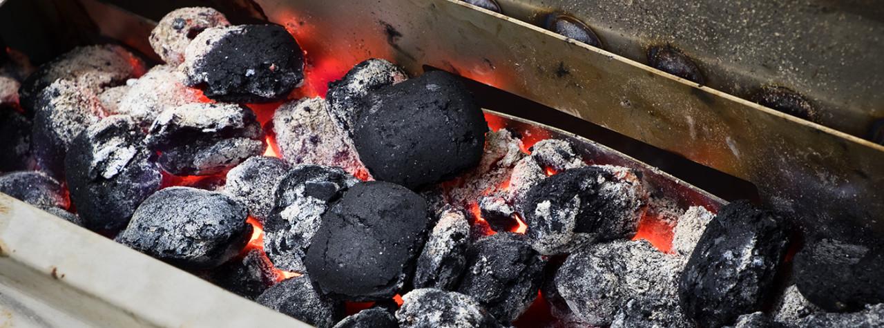 Grillslagteren - Grilltrailer - Rigtig grill med glødende kul